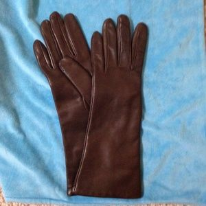 BLOOMINGDALES - Cashmere-Lined Leather Gloves- NWT